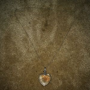 Adorable flower pedal inside pendant necklace